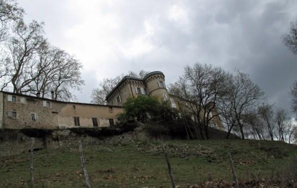Chateau Chamborigaud bei einer Motorradtour durch die Cevennen