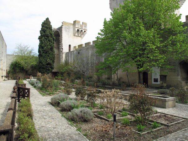Garten der Burg Tarascon an der Rhône
