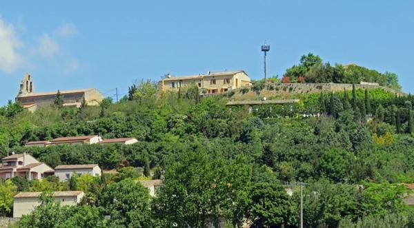 Phare Aéropostale Montferrand im gleichnamigen Dorf im französischen Département Aude, der früher als Navigationshilfe für Postflugzeuge diente.