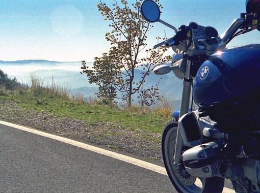 Rast auf den Motorrad-Traumstrassen in den Abruzzen