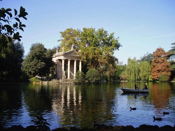Villa-Borghese in Rom vor einer Tour auf Motorrad-Traumstrassen in den Abruzzen