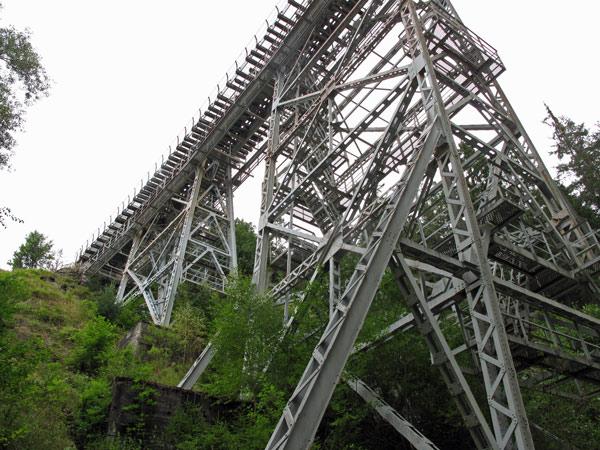 Stahlträger der Ziemestalbrücke im Thüringer Wald