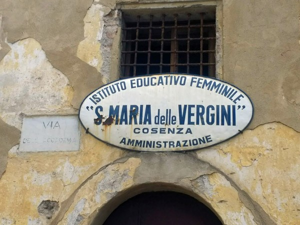 Mädchenpensionat in Cosenza