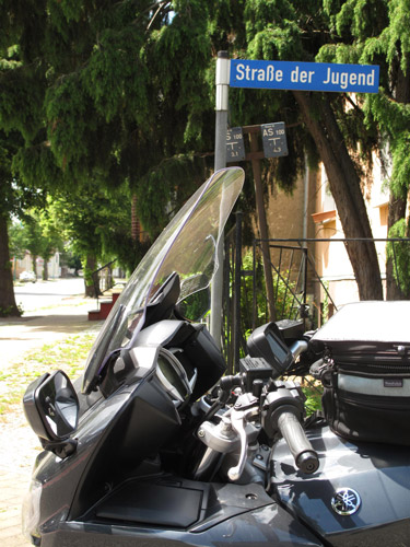 Warum fahre ich Motorrad: auf der Straße der Jugend