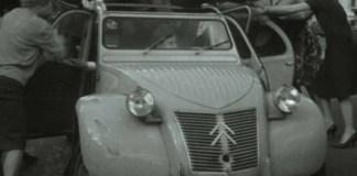 Pendant la crise du Covid-19, Citroen origins s'enrichit d'archives INA et du podcast '(pop)ulaire' avec Luc Ferry