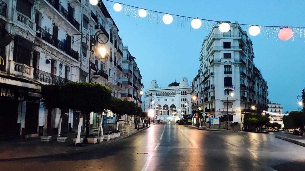 confinement à Alger