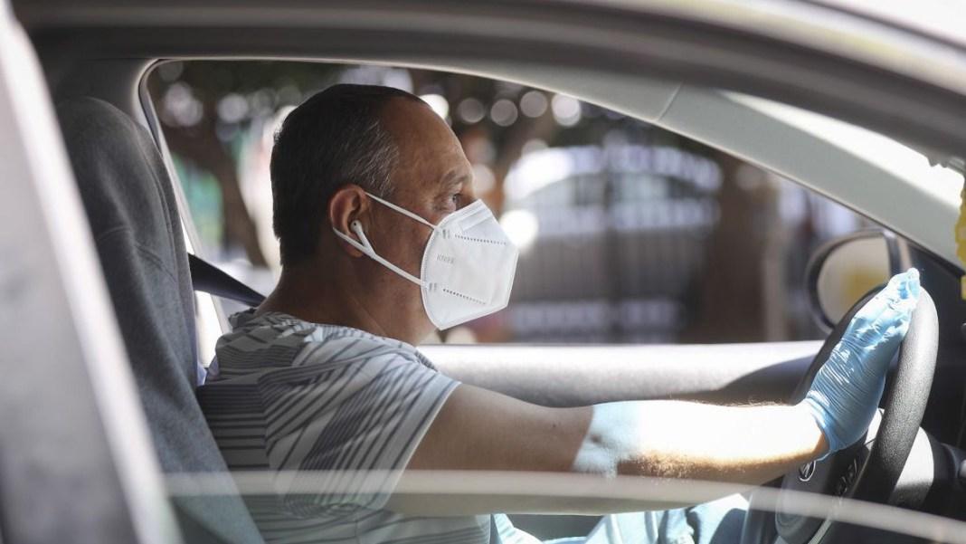 إعادة إقرار إلزامية ارتداء القناع في سيارات الخواص، سواء للسائق أو للركاب الآخرين.
