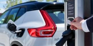 Volvo Cars et Plugsurfing
