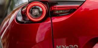 Mazda et les couleurs-l'art, depuis toujours, de mettre les formes en mouvement