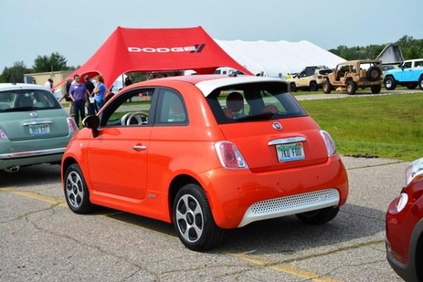 Créanlo o no, el carro que más me impresionó en todo el evento fue el Fiat 500e. Es la versión eléctrica del Fiat 500 y lo que me impresionó fue el arranque tan potente que tiene. Típico de los autos eléctricos, tiene el 100% del torque desde el inicio.