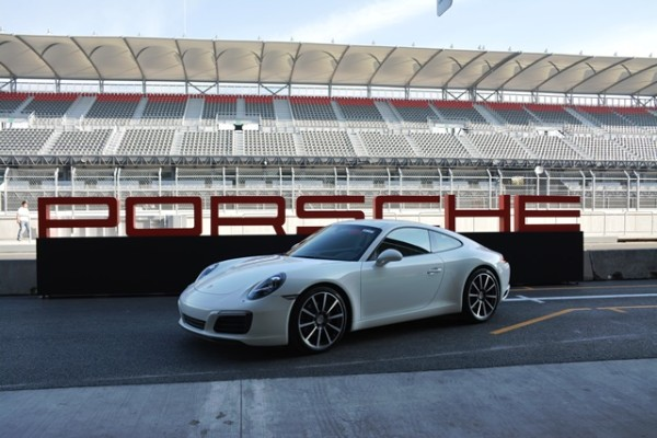 Luego de ver el nuevo Porsche 911 el pasado mes de septiembre en el Rennsport Reunion V en Laguna Seca, al fin pude manejarlo hace unos día en el Autódromo Hermanos Rodríaguez, en Ciudad México. Foto: Andrés O'Neill, Jr.