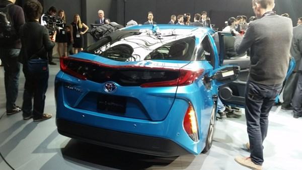 Con sólo conectar el Prius Prime al enchufe de la pared, adquiere una carga secundaria que le permite transitar distancias de hasta 22 millas sin utilizar gasolina.