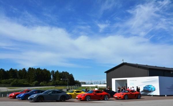 Parte de la selección de autos que estuvieron disponibles para la prueba.
