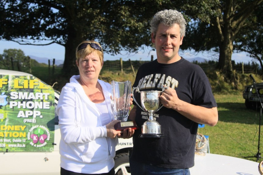 Pic 2. Helen Devane presents overall winner Ian Byrne with the Jimmy Devane memorial cup.Pic By Ted O'Connell (Repro free)