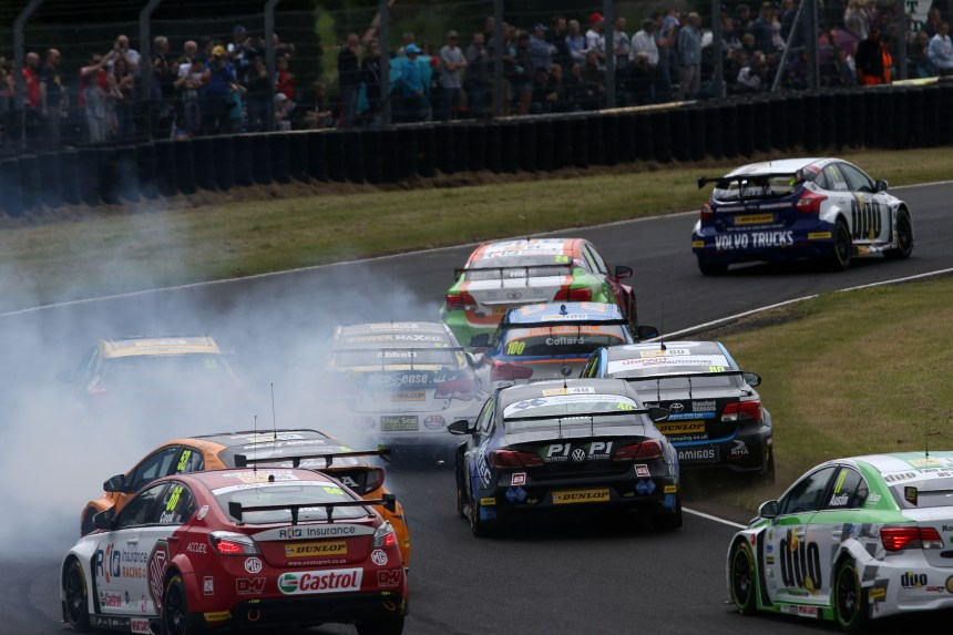 BTCC Race start chaos with Adam Morgan (GBR) WIX Racing Mercedes A-Class