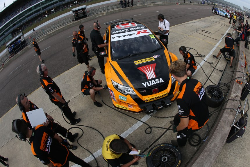 Gordon Shedden (GBR) Halfords Yuasa Racing, Honda Civic Type R