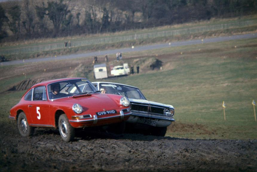 Vic Elford in the Porsche 911 at Lydden Hill in 1967