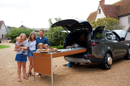 Jamie Oliver Discovery - family with vehicle - Copy