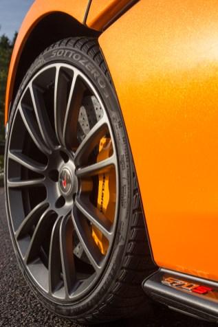 McLaren Winter Tyres 271117_01