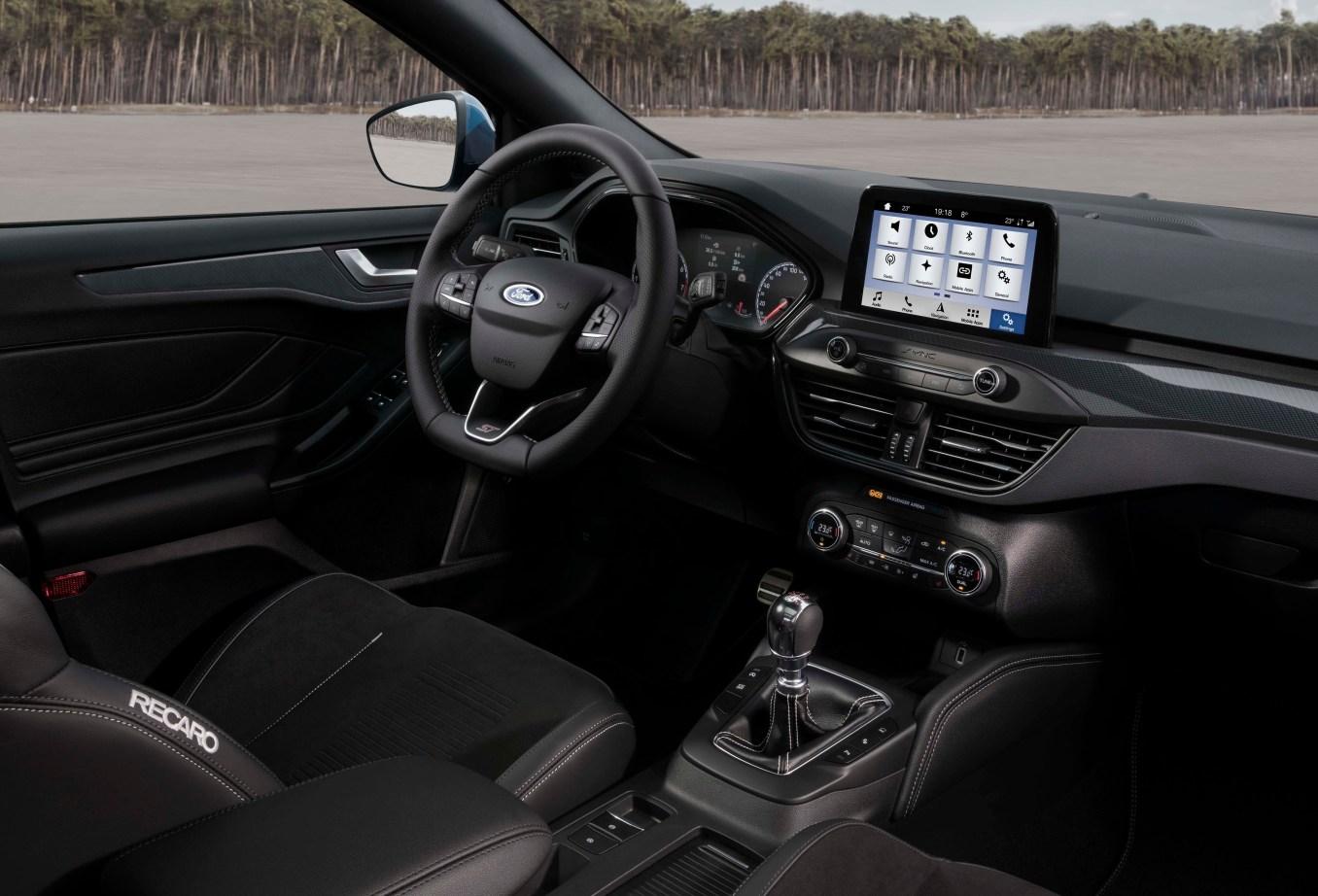 new Ford Focus ST e