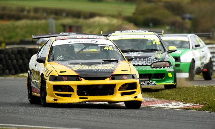Poleman Ulick Burke, Honda Integra, leads Jay O'Reilly, Honda Civic in a typical ITCC battle.