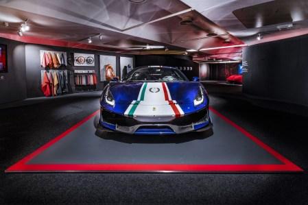 488Pista_Allestimento_Pilota_Ferrari
