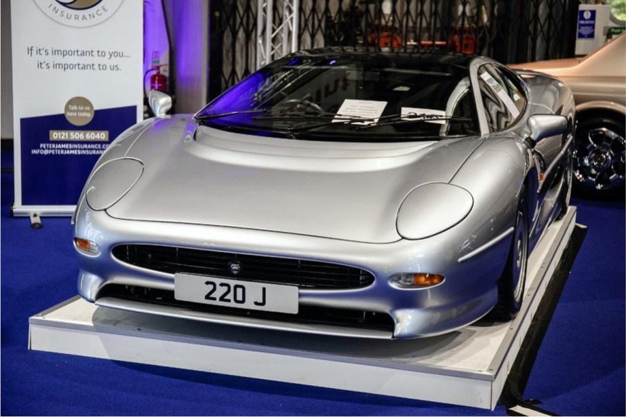 215 - 1993 Jaguar XJ220