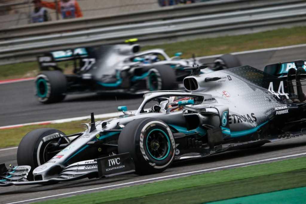 Mercedes Doppietta Cina Carburante