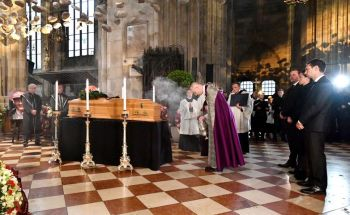 cattedrale funerali lauda