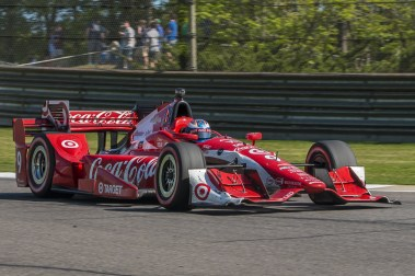 Scott Dixon (9) zooms past during the Honda Grand Prix of Alabama at Barber Motorsports Park, , Sunday, April 24, 2016, in Birmingham, Alabama. (Matthew Bishop)