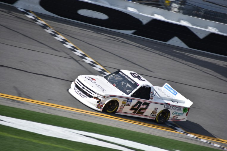 Robby Lyons and the Jeff Finley owned truck running solo laps at Daytona.