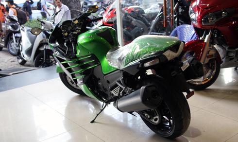 kawasaki-ninja-zx-14r-2-2837-1428303271