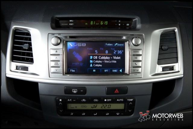 2013-05-16 TEST Toyota Hilux SRV 4x4 AT 045