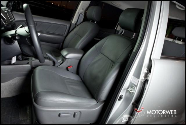 2013-05-16 TEST Toyota Hilux SRV 4x4 AT 050