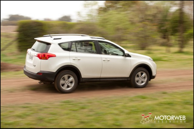 2013-10 TEST Toyota Rav4 Motorweb Argentina 033