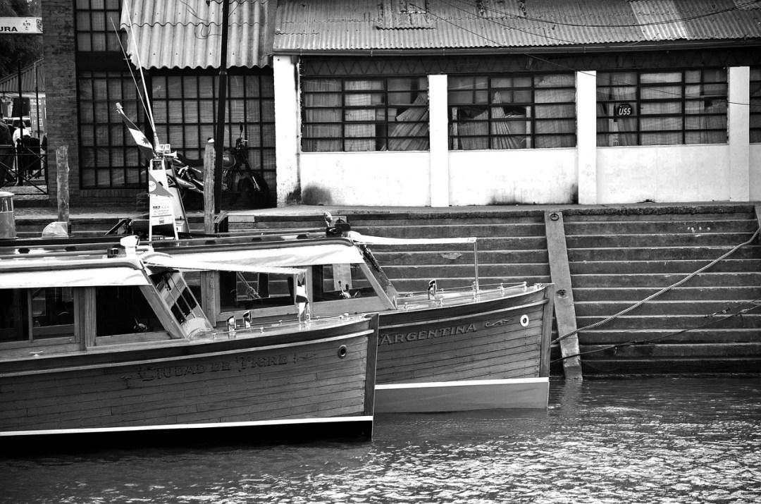 tour-boats-715621_1280