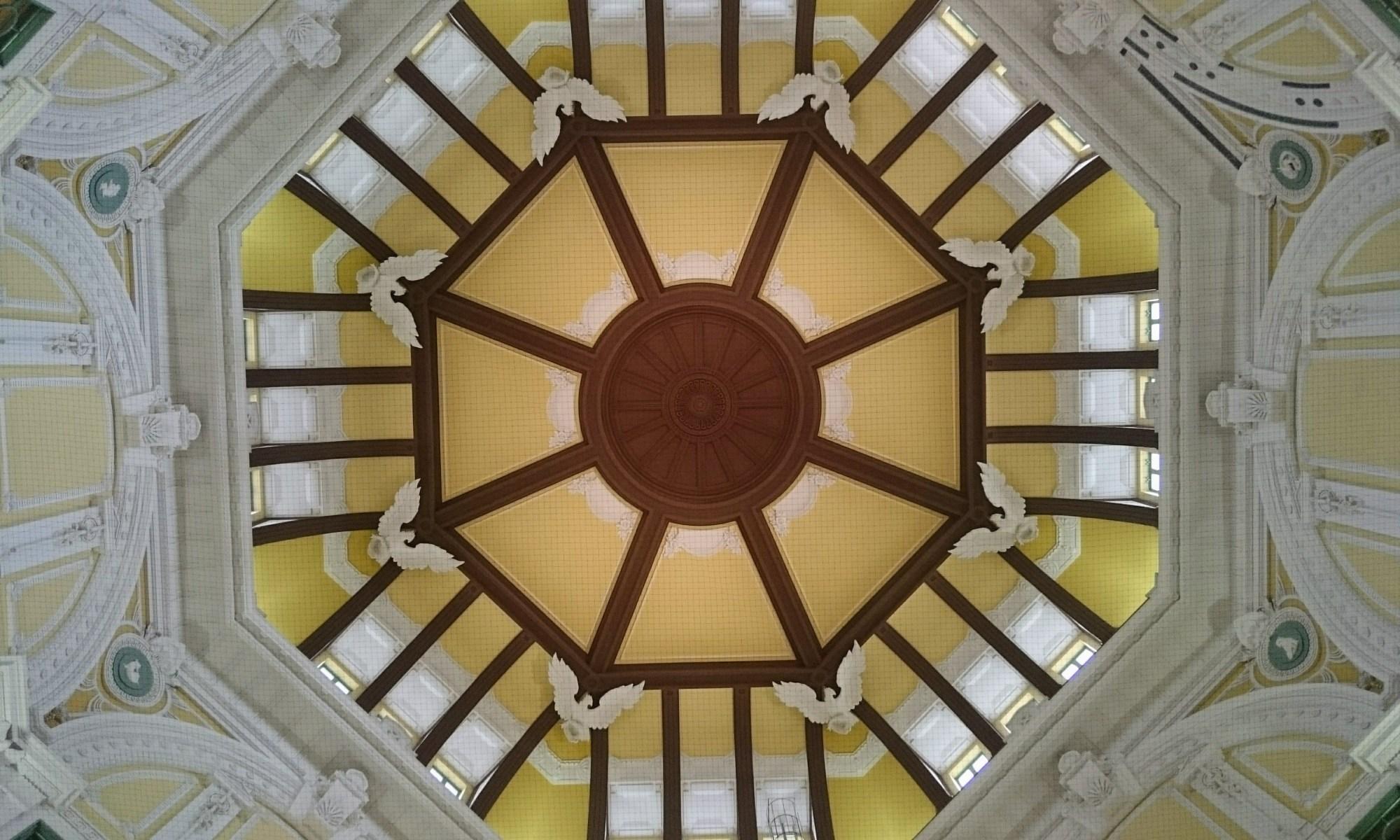 東京駅丸の内天井