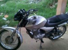 Leilão tem moto Honda CG 150 2004 2005