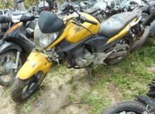 Leilão tem moto Honda CB 300R com lance inicial de R$1.000