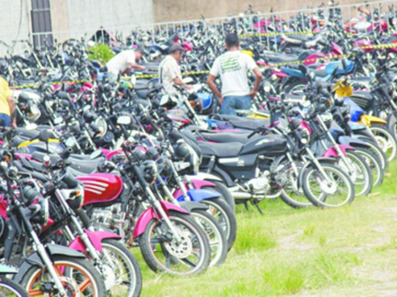 Leilão de veículos apreendidos pelo Detran tem 669 lotes entre motos e carros