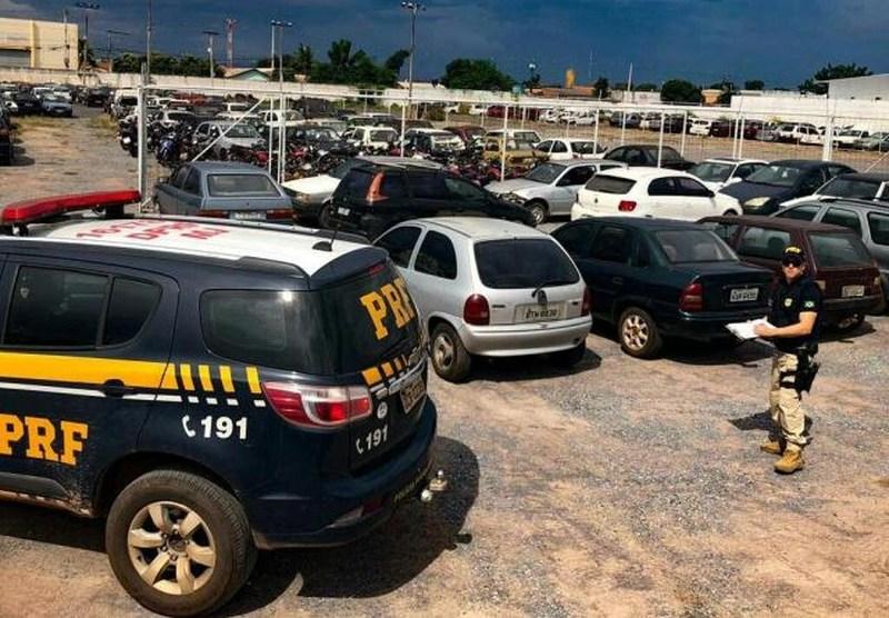 Cerca de 800 veículos apreendidos pela PRF serão leiloados este mês