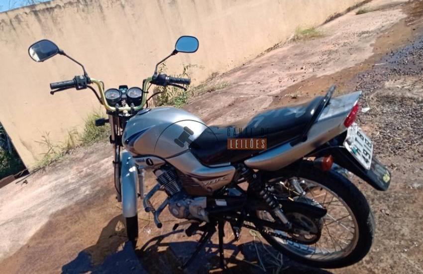 Leilão tem Yamaha YBR 125K prata com lance inicial de R$579