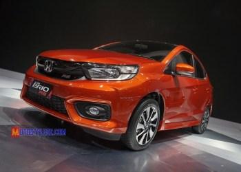 Honda Brio + Foto Atas (Desain Dinamis & Sporty)