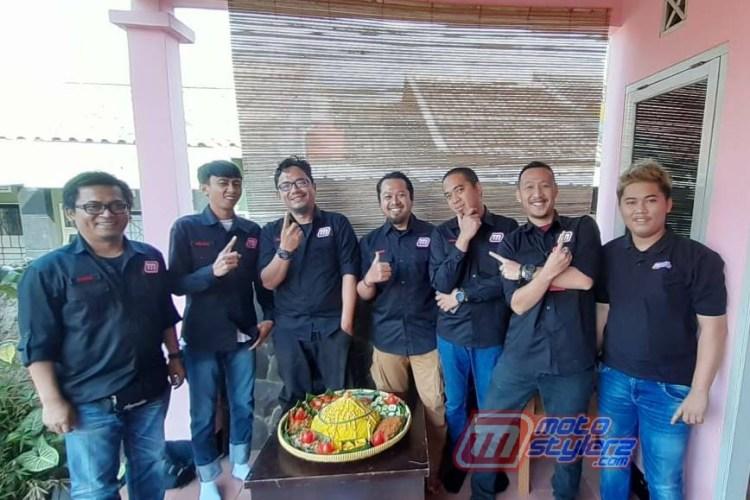 Aksi Potong Tumpeng-Kian Sakral Dihadiri Keluarga Motostylerz