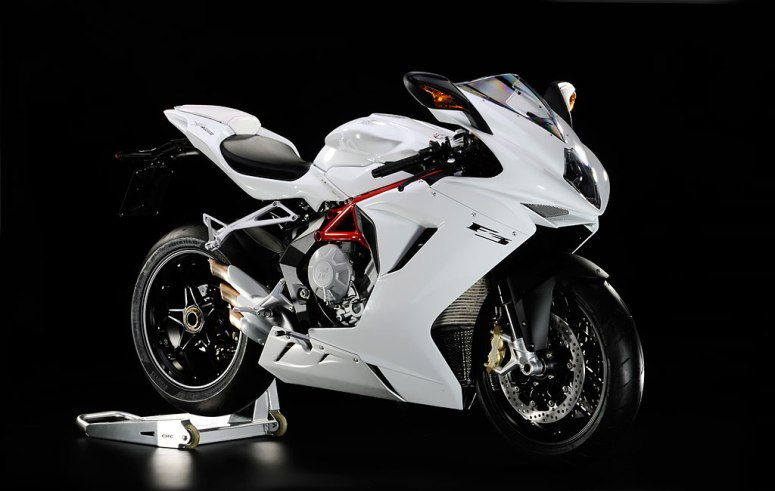 """F3 675 After being elected the """"most beautiful 600 in the world"""" the MV Agusta is now ready to become the new reference both on the street and on the track. Asupersport that boasts a ultra-advance chassis and vehicle dynamics control that is o par with the most advanced superbike thanks to new system MVICS (Motor and Vehicle integrated control system)"""