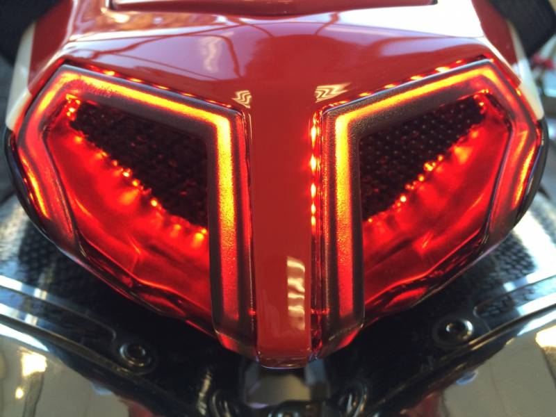 Integrated Sequential Tail Light Ducati 848