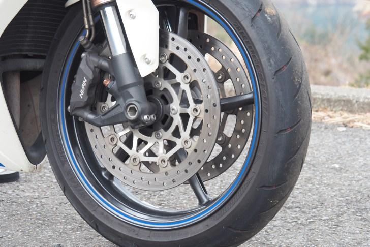 タイヤはブリヂストンのBATTLAX HYPERSPORT S21がお気に入り