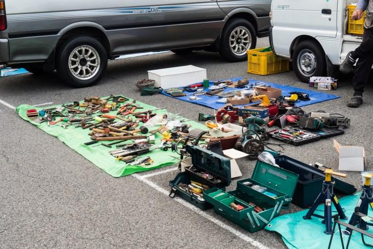 様々な工具が並んでいましたが、なぜかハンマーが多かった!