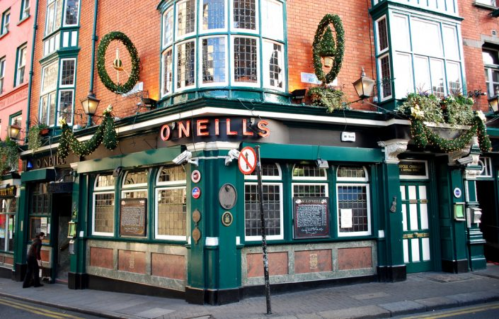 O'Neill's Pub in Dublin, by Laura LaRose, shared on Flickr under CC BY 2.0 license. Thank you, Laura! Link https://flic.kr/p/5PFr8S