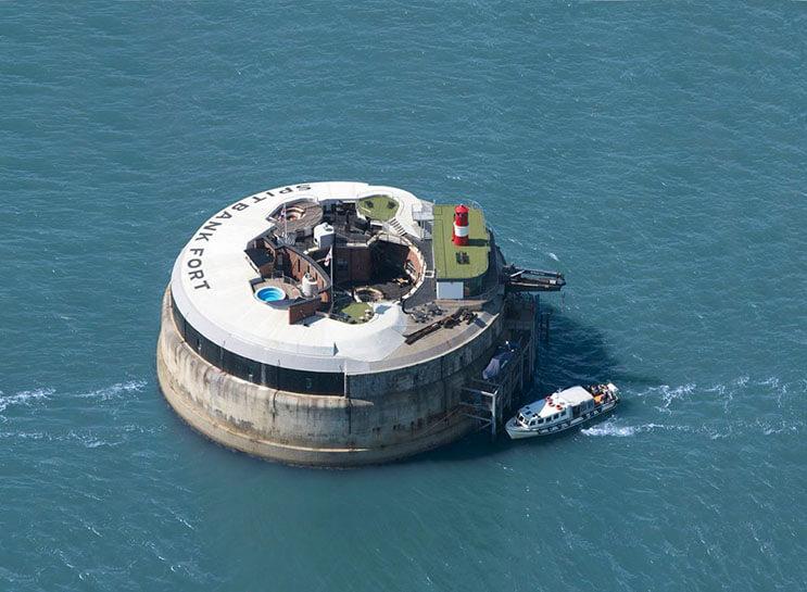Bases marinas usadas durante la Primera Guerra Mundial ahora son parte de un lujoso hotel 16